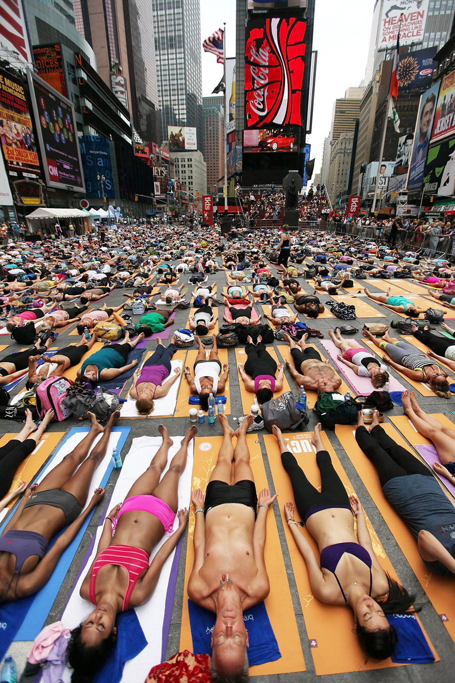 Yoga på Times Square… eller Jan Gehl disciple?